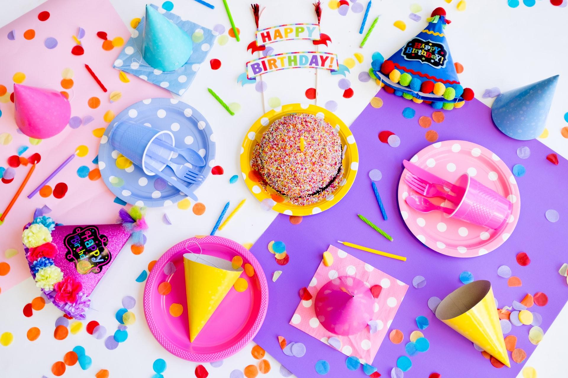 Naczynia jednorazowe na imprezę – czy to dobry pomysł?